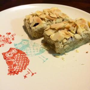 ginger almond blueberry slice plate